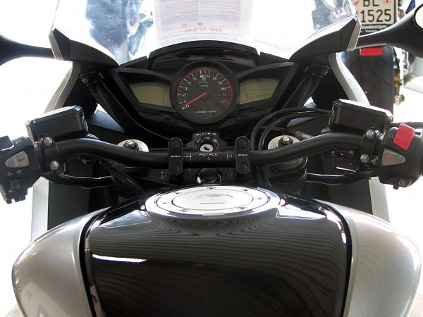 Superbike Umbau komplett  VFR 1200 10- (GH75) silber, Lenker silber, Anschluss silber, Leitung trans